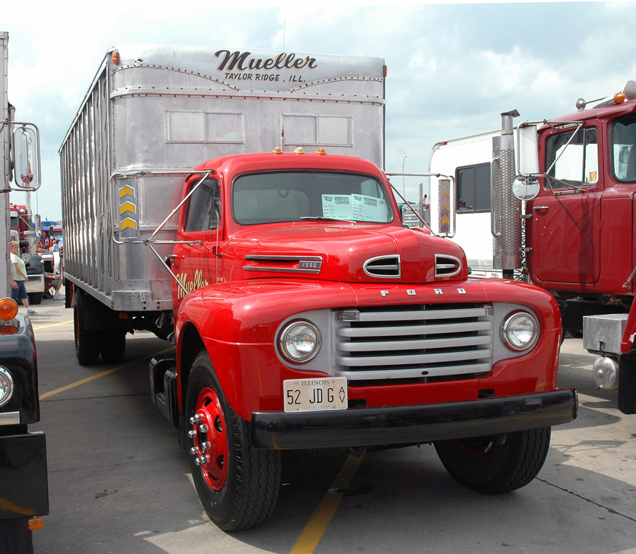 """FORD'S NEW """"F8"""" TRUCK"""