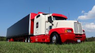 Many truck drivers believe that as the traditional square-hood rigs disappear, trucks will no longer look cool. Well, we think that the Kenworth T600 seen here proves otherwise. Simply put,...