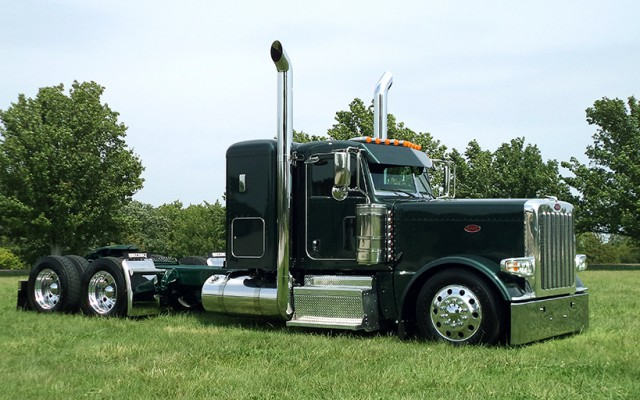 """This month's cool """"creation"""" was built for Moitozo & Sons Trucking out of Gustine, CA. Ran by father and son […]"""