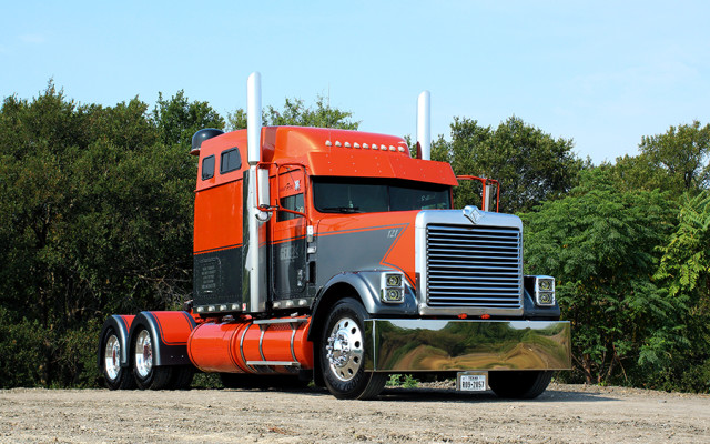 """Sometimes something new comes along and completely changes the game. In the world of """"cool"""" trucks, Peterbilts and Kenworths, along […]"""