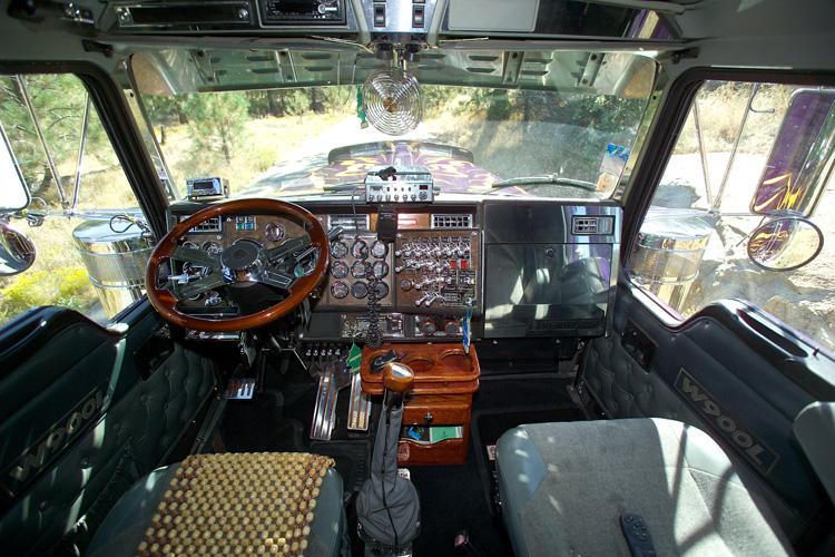 Kenworth W900L Show Trucks