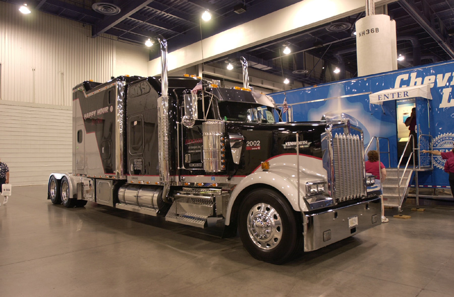 TEN FOUR MAGAZINE - TRUCKING ON-LINE MAGAZINE FOR TRUCKERS